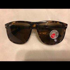 Ray-Ban Men's polarized sunglasses